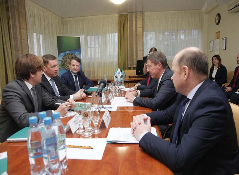 Председатель Правительства Дмитрий Степаненко провел переговоры с президентом компании Балтика Ларсом Леманном