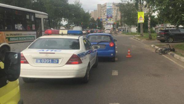 В Ярославле машина наехала на велосипедиста, мужчина госпитализирован