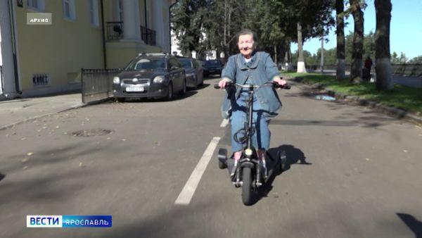 В Ярославле у 91-летней пенсионерки украли трехколесный самокат