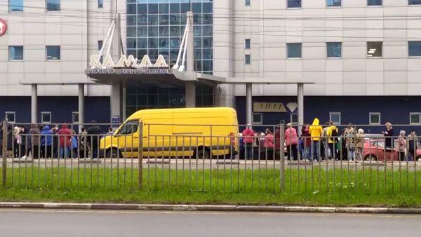 В торговом центре Ярославля произошла срочная эвакуация