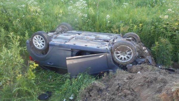 В Ярославской области в ДТП пострадали 21-летние парень и девушка