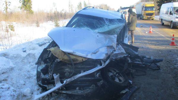 В Ярославской области столкнулись две иномарки: пострадали три человека