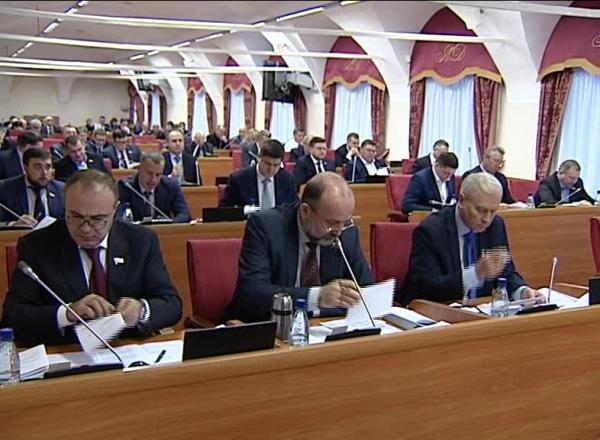 Проект областного бюджета на 2019 год принят во втором чтении