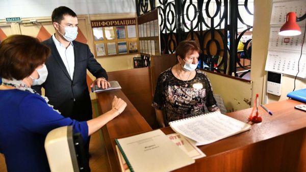 Мэр Ярославля проверил систему безопасности одной из школ города