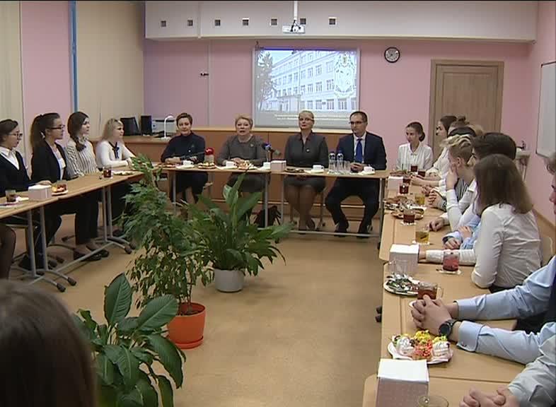 Министр просвещения Ольга Васильева провела урок для учеников ярославской школы № 43