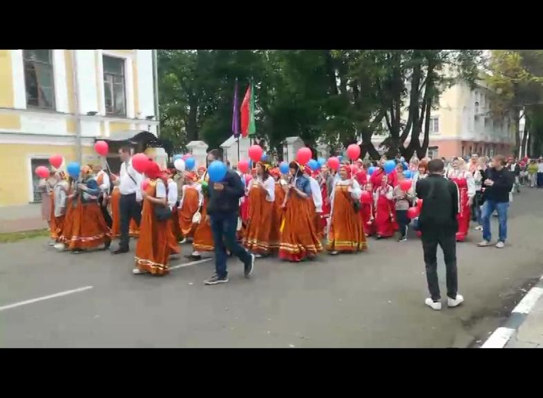 В День России по Ярославлю прошел «Парад Дружбы»