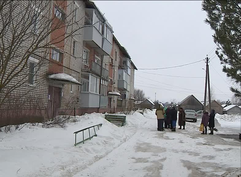 Жильцы дома в Новом Некоузе несколько лет добиваются ремонта кровли