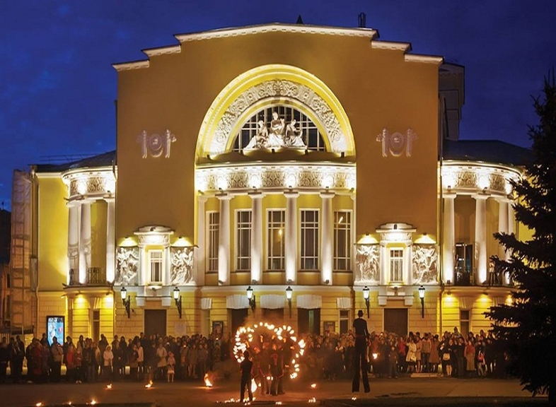 Владимир Путин поддержал идею особого статуса театра им. Ф. Волкова