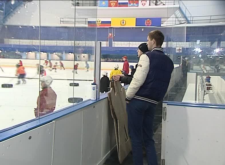 В Рыбинске юные хоккеисты борются за место на льду