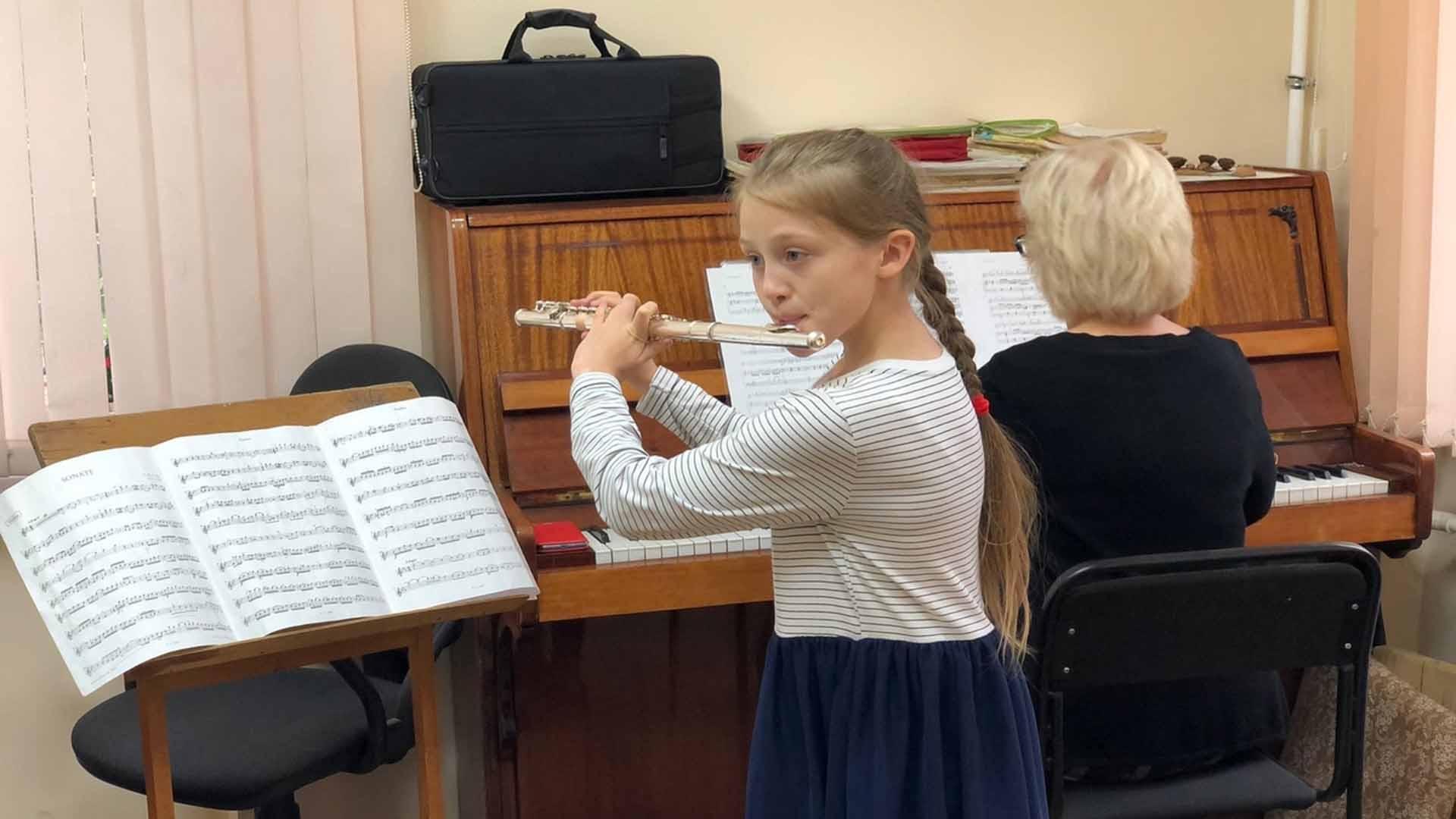 Новые музыкальные инструменты получат 11 детских школ искусств Алтайского края в 2022 году