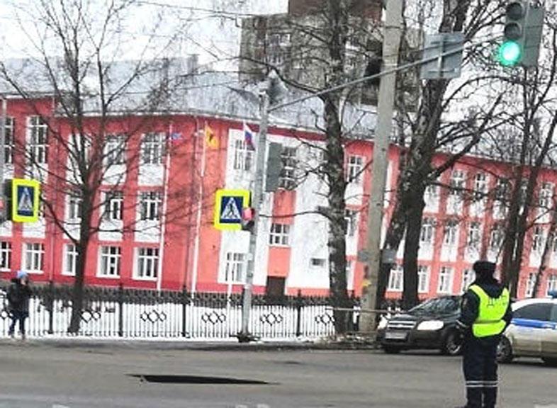 На проезжей части улицы Герцена в Рыбинске вновь образовался провал