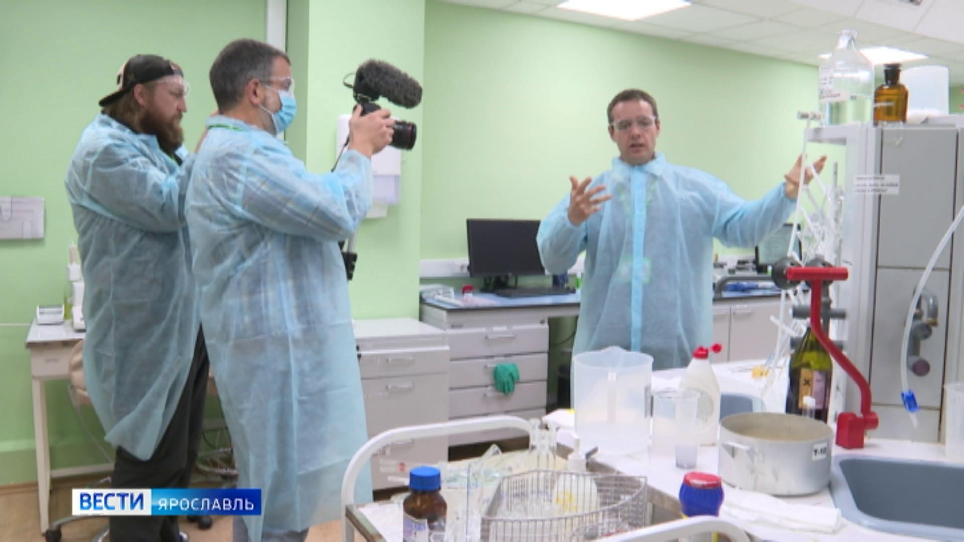 Они узнают о работе над вакциной от коронавируса: в Россию прилетела съемочная группа из Уругвая
