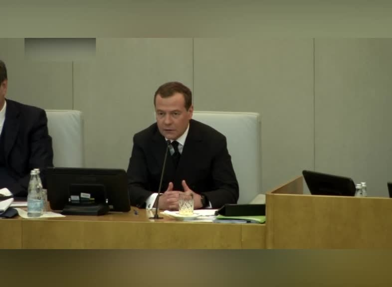 Медведев: идея об объединении Александринского и Волковского театров не была продумана