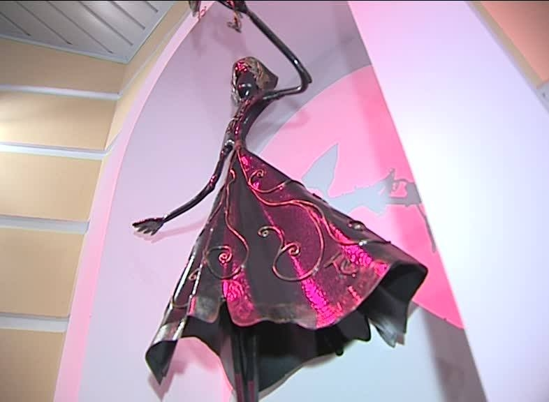Входную группу драматического театра Рыбинска украсили скульптуры древнегреческих муз